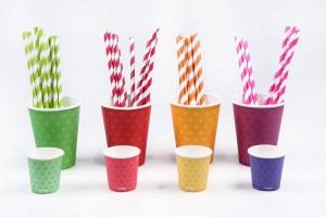 copos descartáveis e canudos para festa