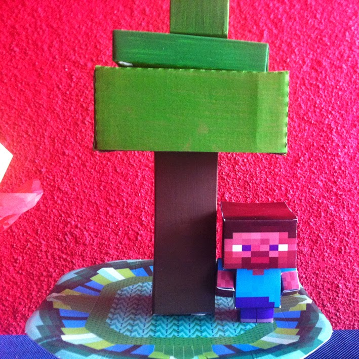 árvore e personagem do minecraft