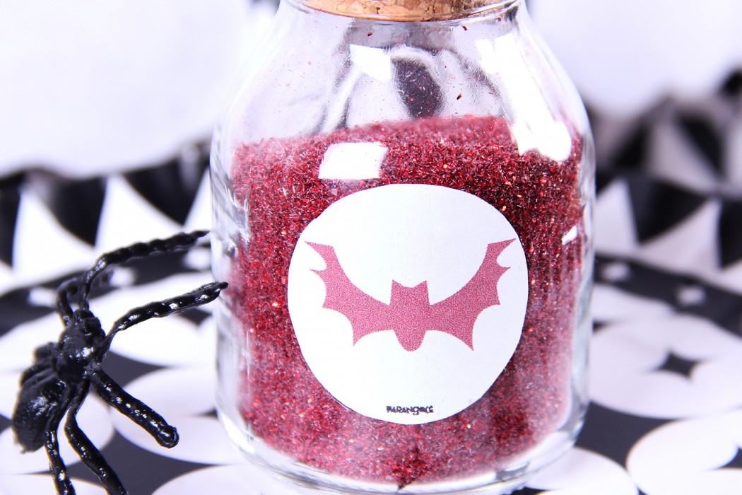 http://www.parangole.com.br/categoria-produto/festa-por-tema/halloween/